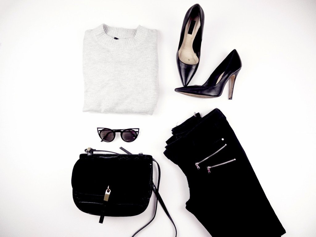 Black trousers , grey sweater and pumps
