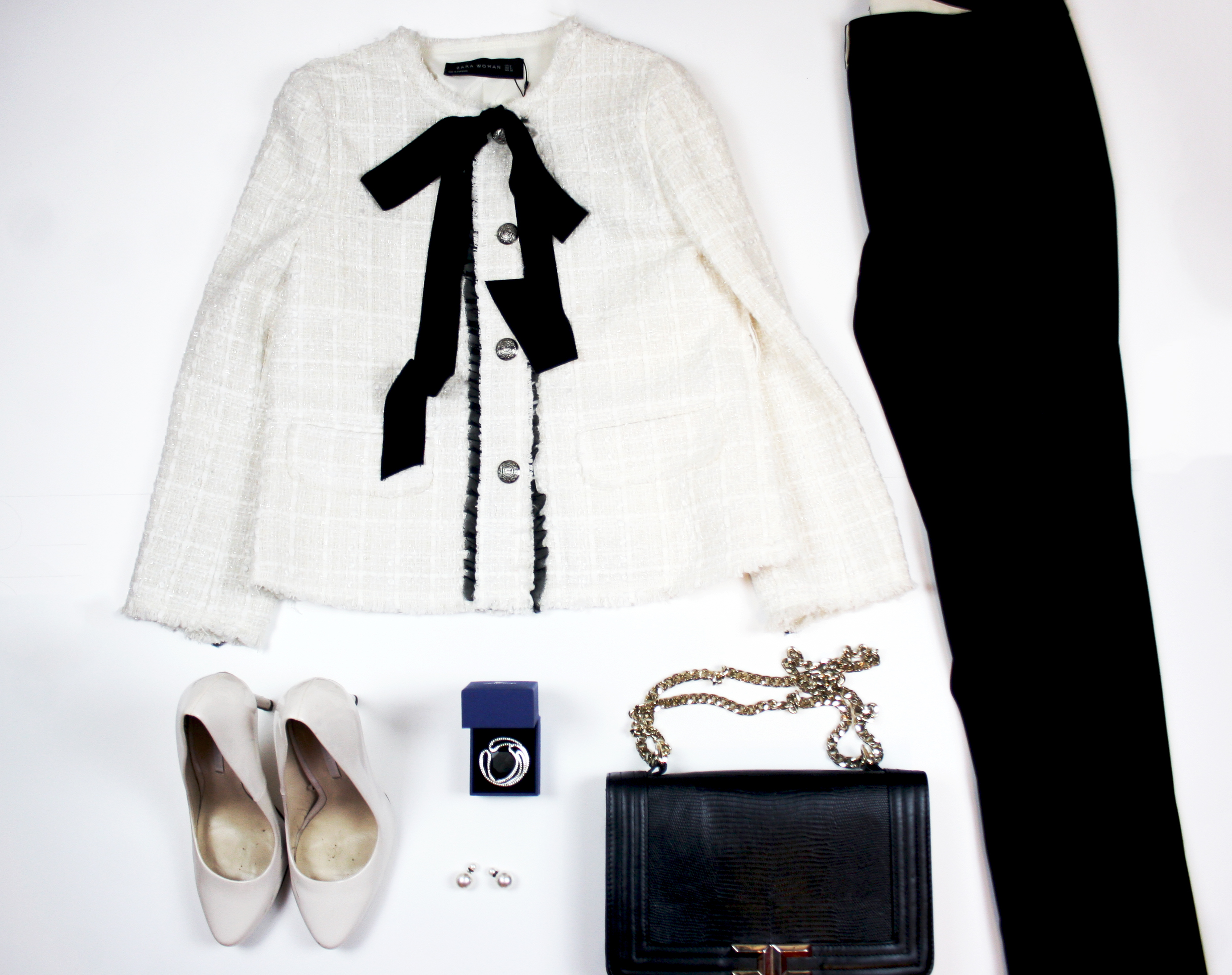 An elegant chic black and white look