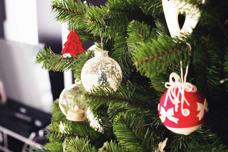 christmas tree-glamobserver